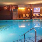 Pool im Hotel Vier Jahreszeiten